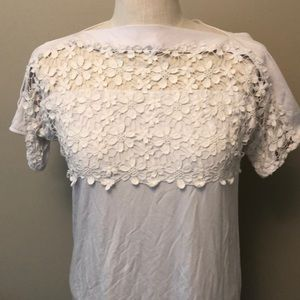 XS white crochet t shirt with open shoulder